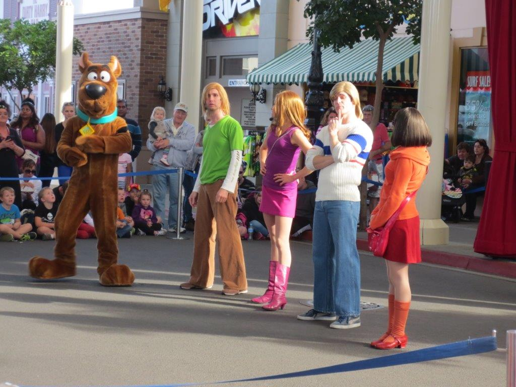 We're at Movie World on the Gold Coast - Scooby-Dooby-Dooooo!