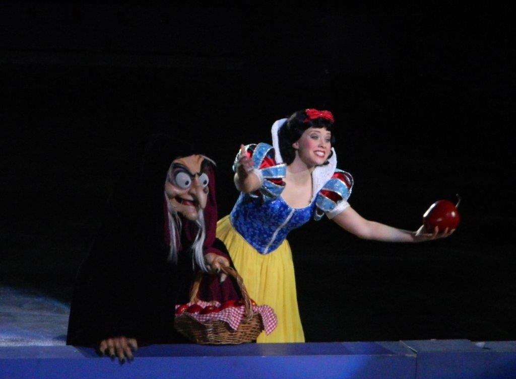 Snow White asks the audience - should I eat the apple?