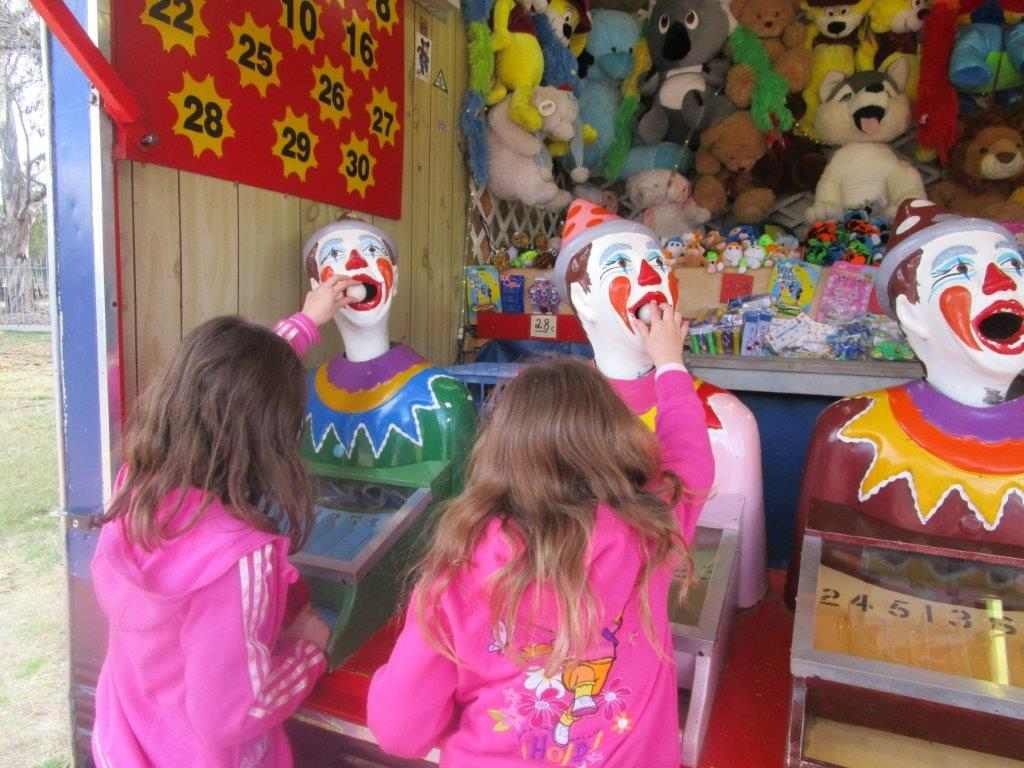 The Carnival clowns never go out of style at Floriade!