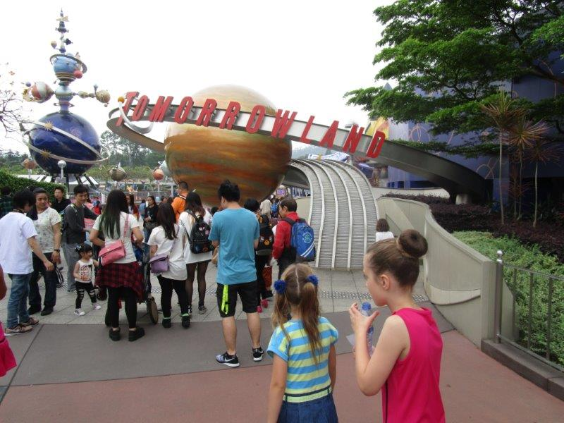 We venture into Tomorrowland - home of the amazing Space Mountain roller coaster