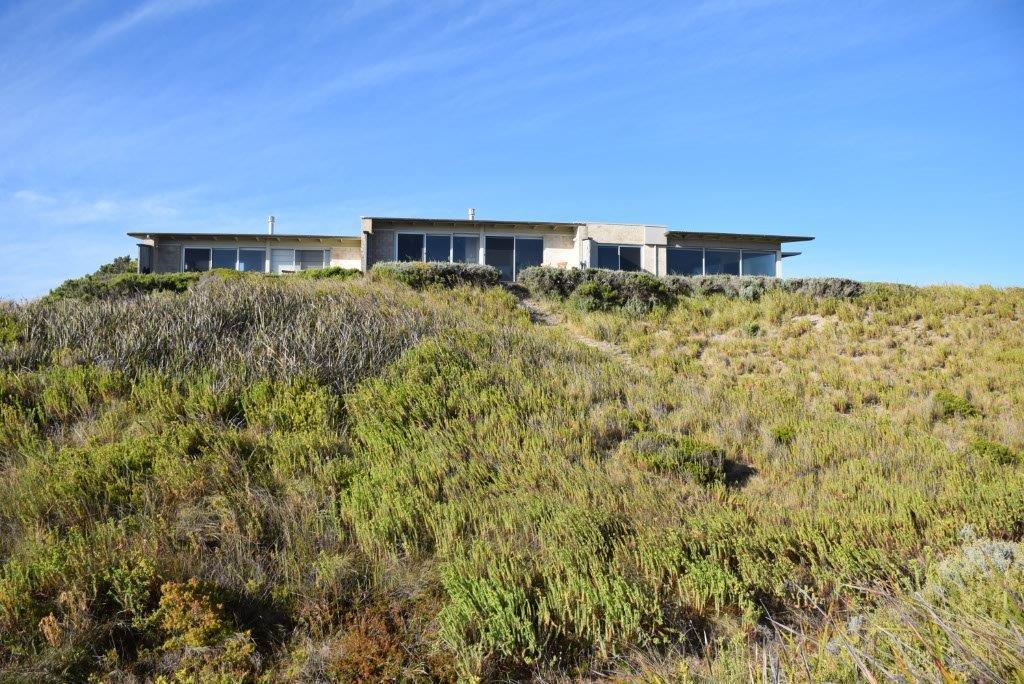 Hearns Beach Villas are nestled into the sand dunes