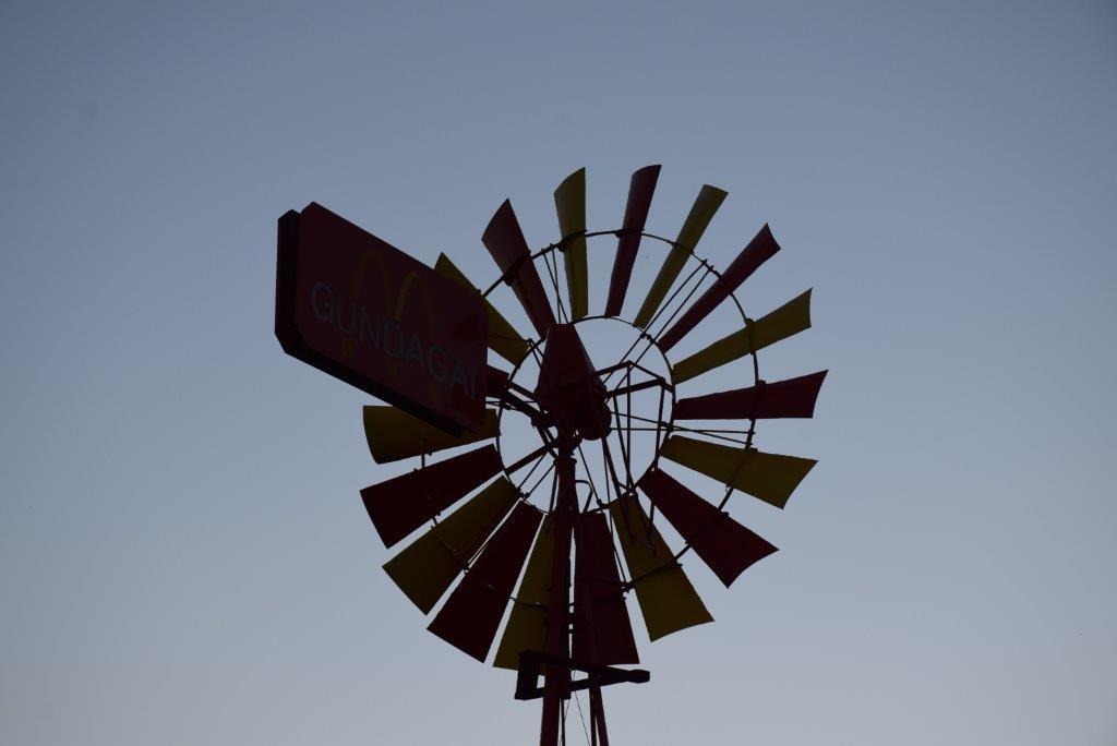 Gundagai McDonald's windmill