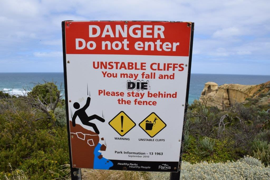 Just in case you were wondering...if you fall, you die! - a 12 Apostles sign