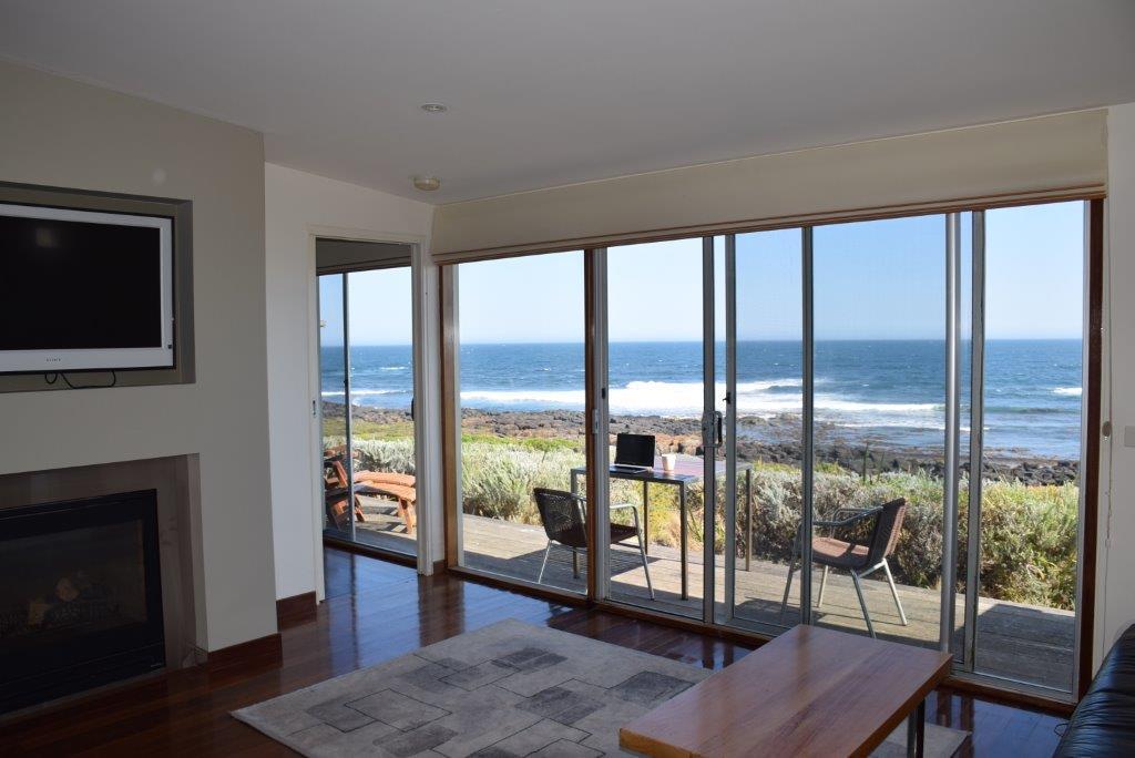 Hearns Beach Villas