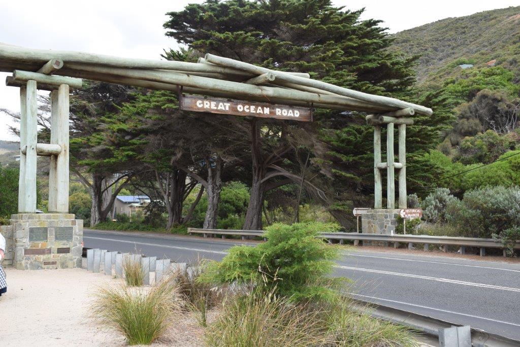 The iconic Great Ocean Road Memorial Arch