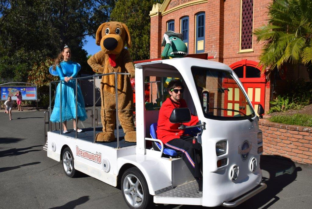 Wiggles characters Waggs the Dog, Dorothy the Dinosaur and Captain Feathersword on patrol at Dreamworld!
