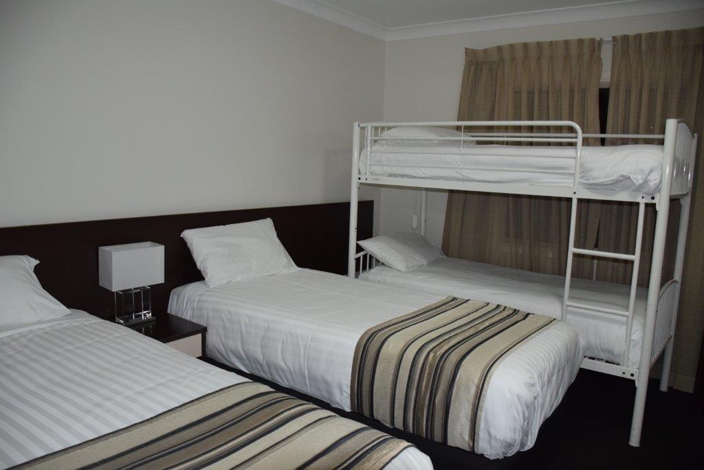 The children's bedroom sleeps up to four people