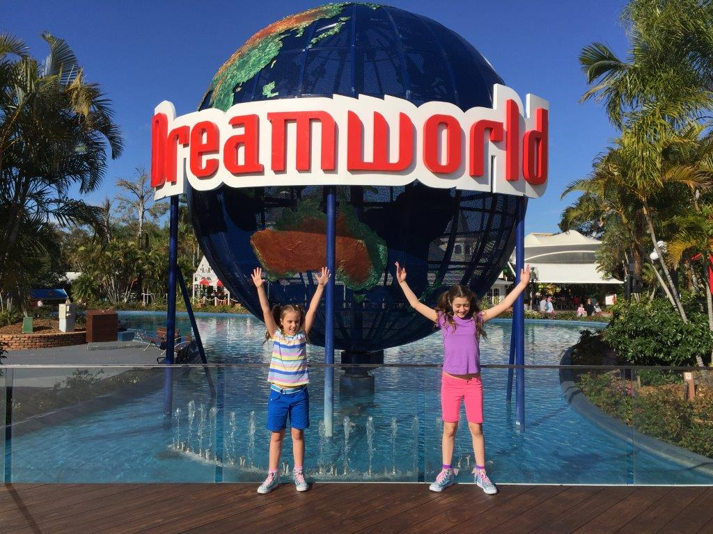 Let's go to Dreamworld! Photo source: Letsgomumreviews.com.au