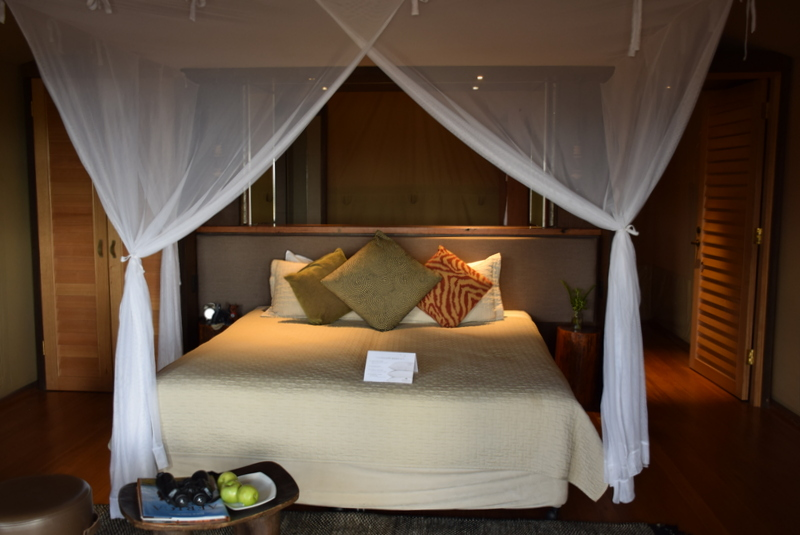 The Zoofari Lodge king-size bed