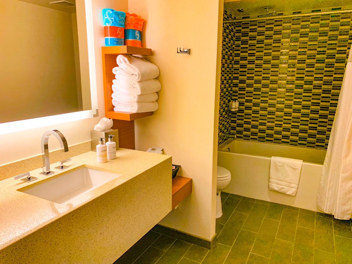 Shore Hotel, Santa Monica bathroom