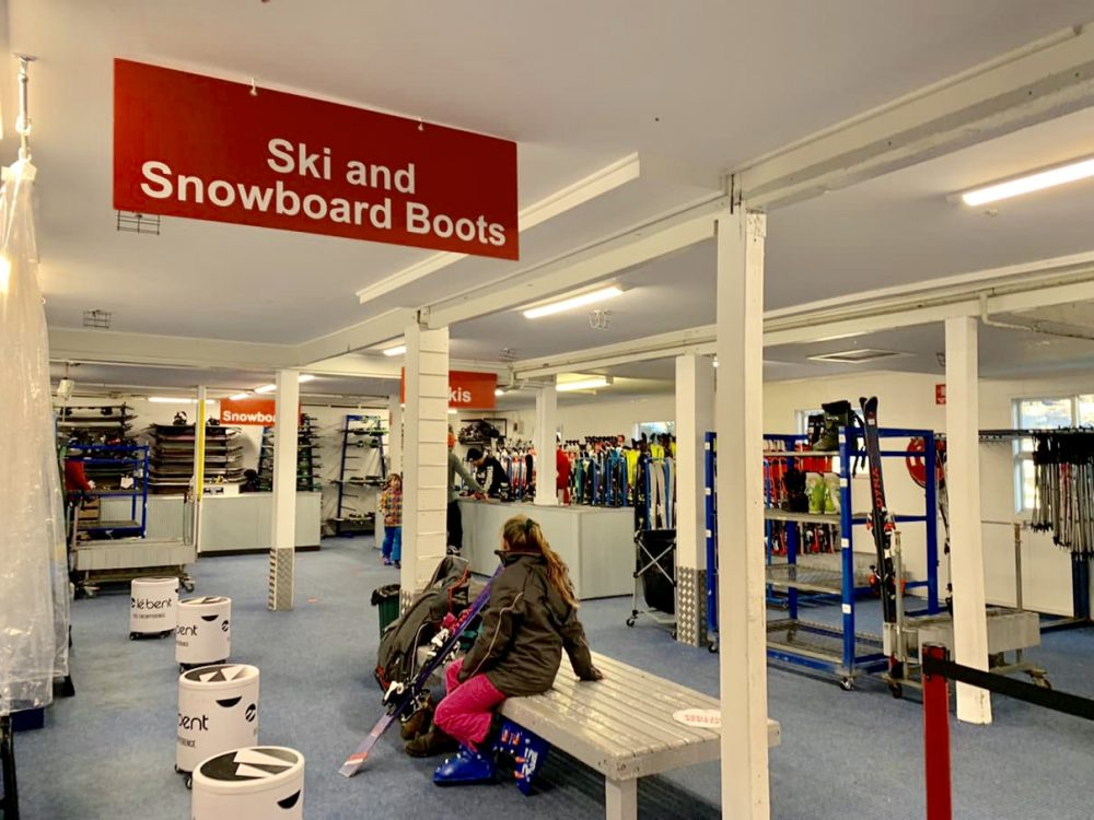 Arranging ski and snowboard rentals at the ski resort may cause you extended delays due to social distancing (Thredbo rentals)