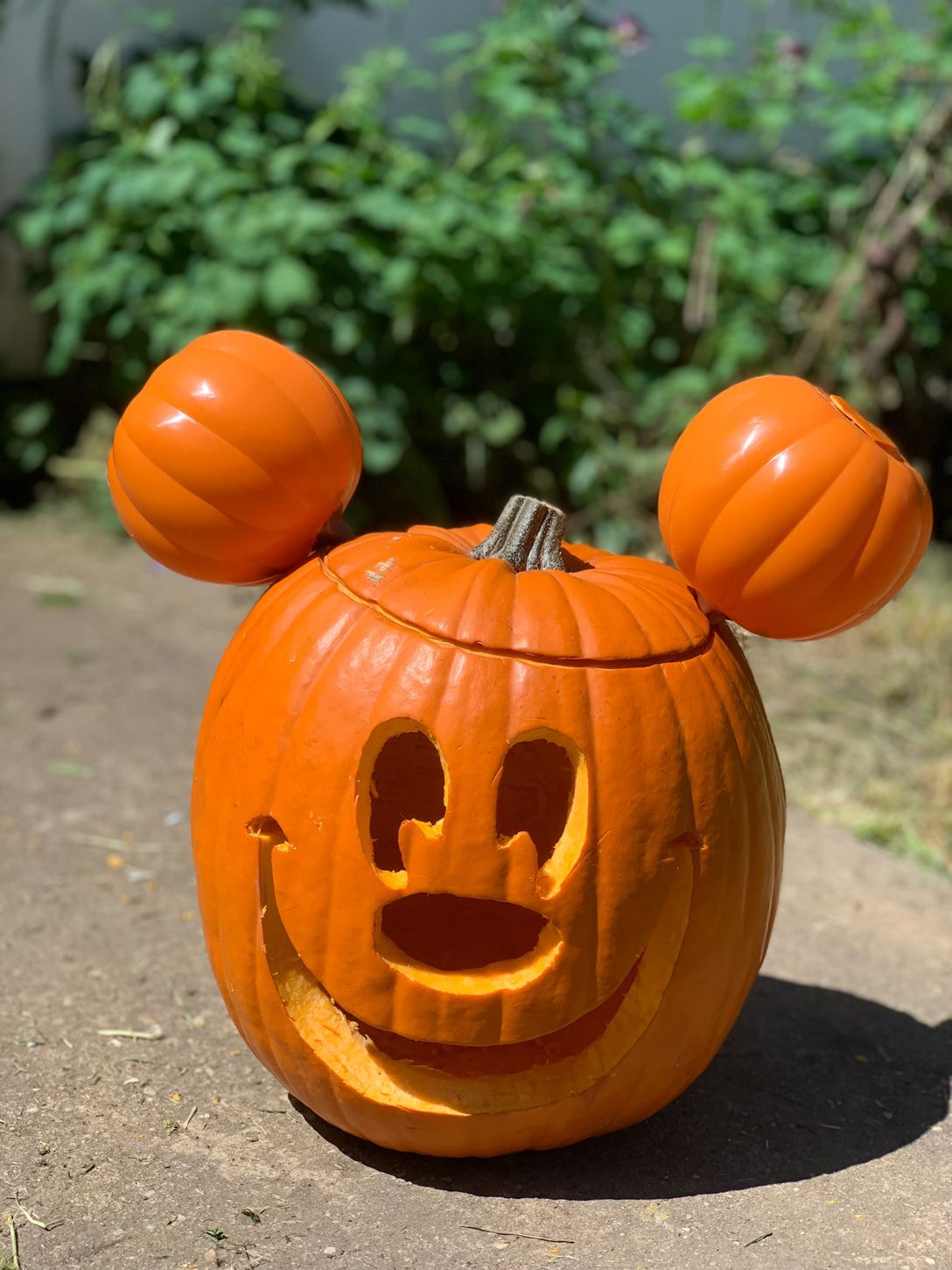 How to make a Mickey Mouse Halloween Pumpkin