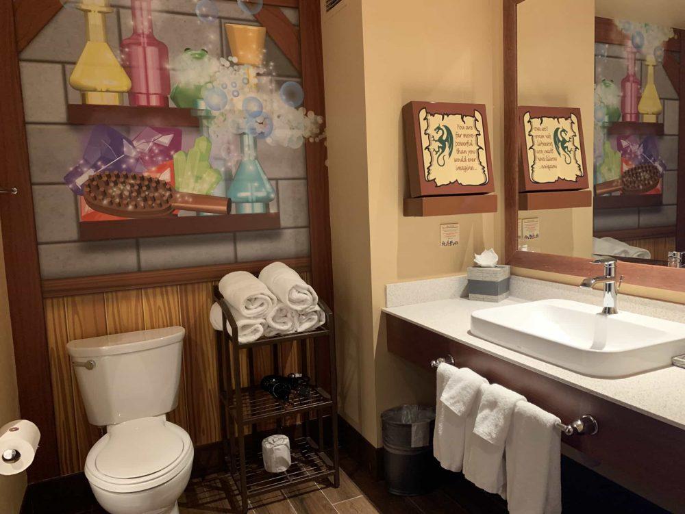 LEGOLAND California Castle Hotel bathroom