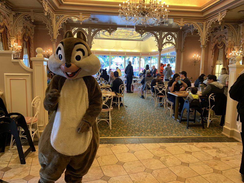 Minnie & Friends Disneyland Breakfast